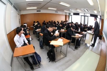 教室(圧)