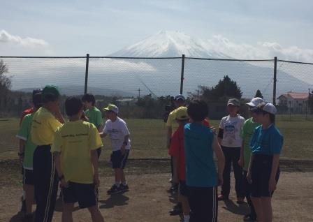 富士山をバックに③